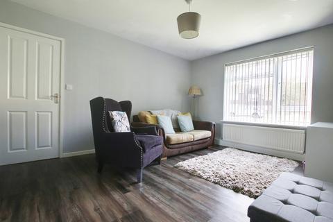 1 bedroom ground floor flat - Beachcroft Place, Lancing, West Sussex, BN15 8JN