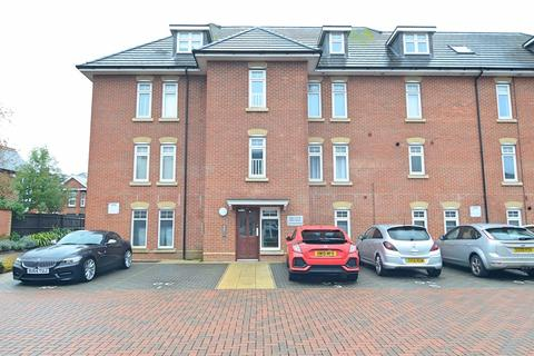 2 bedroom flat for sale - Cromwell Gardens, Bournemouth