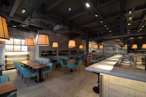 Restaurant to rent - Chalk Farm Road, Camden