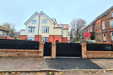 6 bedroom semi-detached house for sale - Judges Drive, Liverpool