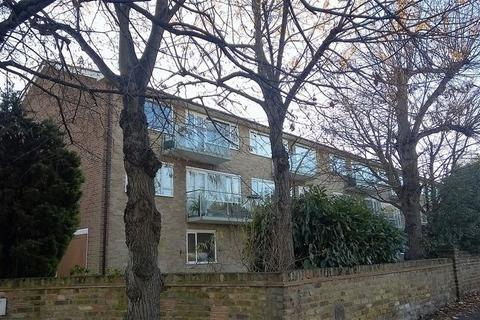 2 bedroom apartment to rent - Hillbrow Road, Esher