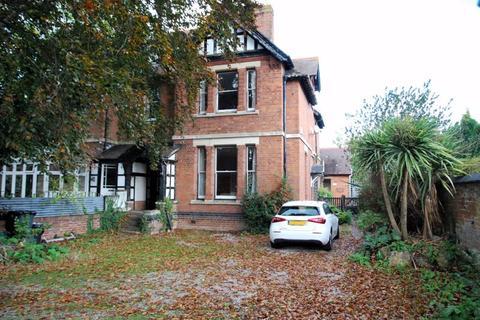 4 bedroom semi-detached house for sale - Milocroft, Hempsted Lane, Gloucester