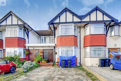 3 bedroom house - Empire Avenue, London
