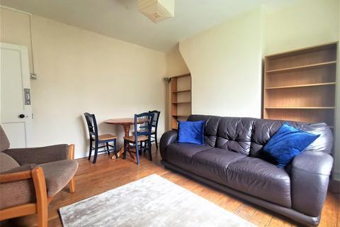 3 bedroom flat - Rushton House, Albion Avenue, London