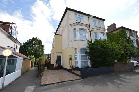 1 bedroom flat - Maswell Park Road, Hounslow