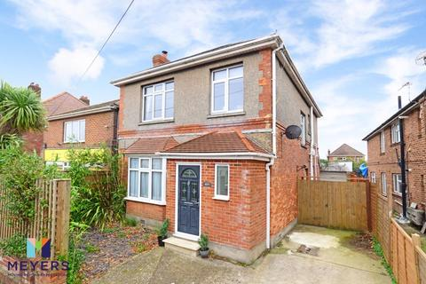 3 bedroom detached house for sale - Wimborne Road, Moordown, BH9