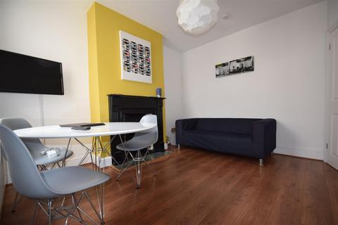4 bedroom terraced house to rent - Swansea Road, Reading, Berkshire