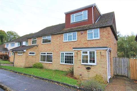 4 bedroom semi-detached house for sale - Chanctonbury Road, Burgess Hill
