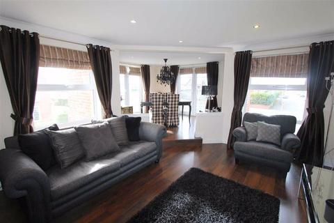 2 bedroom apartment to rent - King Edward Avenue, Lytham St Annes, Lancashire