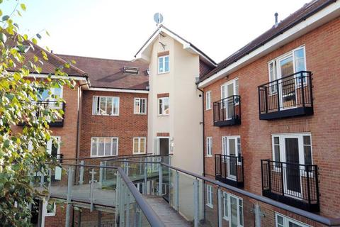 2 bedroom apartment for sale - Lumley Road, Horley