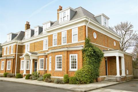 4 bedroom semi-detached house to rent - Redcliffe Gardens, London, W4