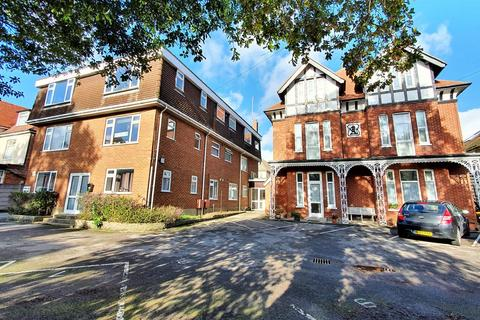 2 bedroom apartment for sale - 16 Florence Road, Bournemouth, BH5