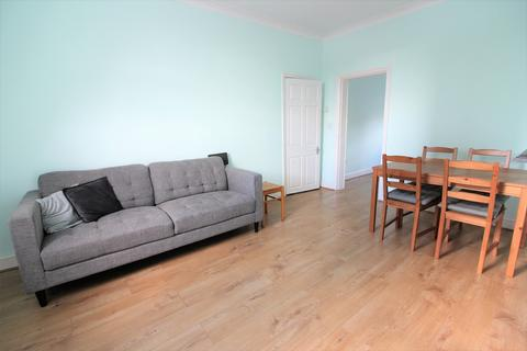 2 bedroom flat to rent - Bow E3