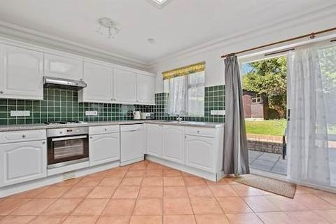 3 bedroom terraced house to rent - Churchill Gardens, London, W3