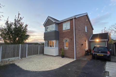 4 bedroom detached house for sale - Hedley Drive, Brimington, Chesterfield, S43 1BF