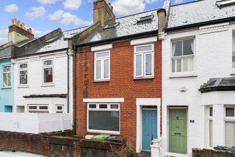 3 bedroom house - Lefroy Road, London, W12