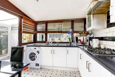3 bedroom semi-detached house for sale - Hunters Hall Road,  Dagenham, RM10