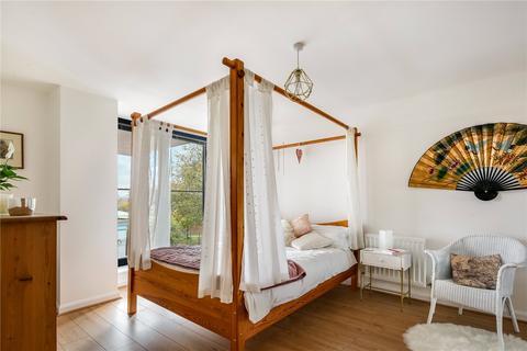 2 bedroom flat for sale - Hanah House, 150 Maryland Street, London, E15