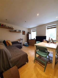 2 bedroom apartment to rent - Lucknow Road, Nottingham, NG3