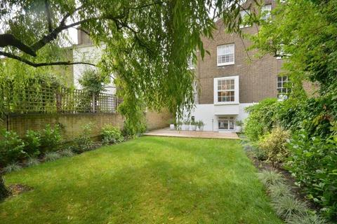 4 bedroom semi-detached house to rent - Cavendish Avenue, St Johns Wood, NW8