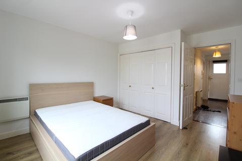 1 bedroom flat - High Road, Wood Green N22