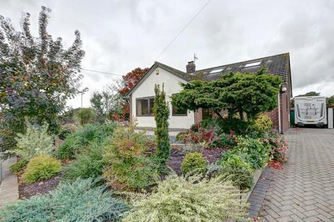 4 bedroom detached house for sale - Golden Hills, Chinnor