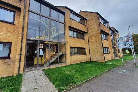 1 bedroom flat for sale - Ivel Court, Yeovil, BA21