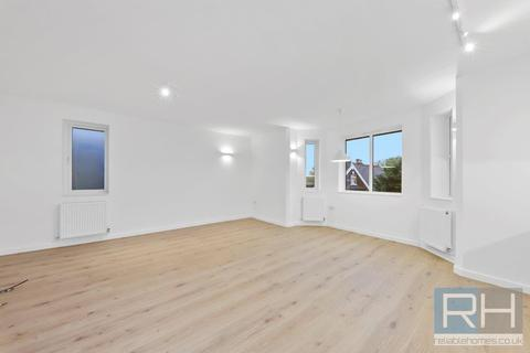 2 bedroom apartment to rent - Dollis Road, Finchley, N3