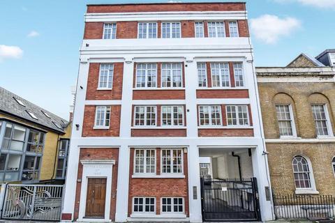 3 bedroom flat for sale - Steam Mills, Fairclough Street, London E1