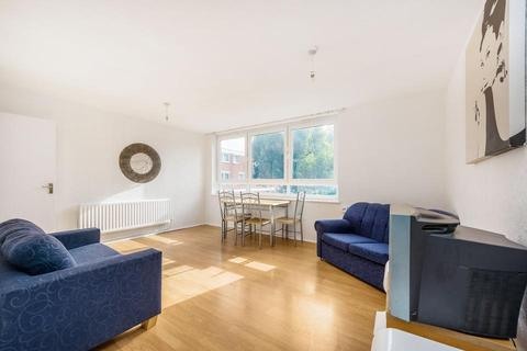 3 bedroom flat to rent - Westbridge Road, London SW11