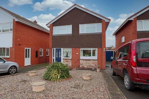 3 bedroom detached house for sale - Hawthorn Avenue, Stone