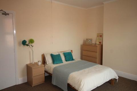 5 bedroom house share to rent - Park Grove, Derby,