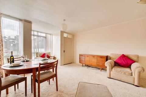 5 bedroom house to rent - Pine Tree Avenue, Canterbury