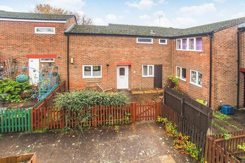 3 bedroom house for sale - Nene Court, Andover