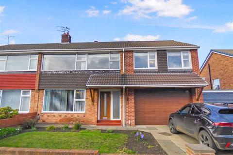 4 bedroom semi-detached house - Farringdon Road, North Shields