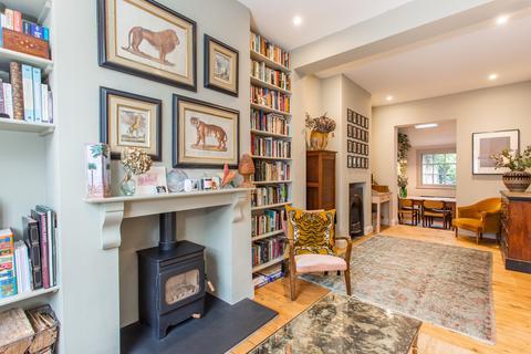 2 bedroom terraced house for sale - Aberavon Road, E3