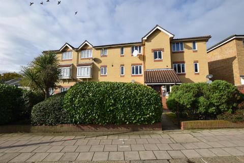 1 bedroom flat - Grove Road, Chadwell Heath, RM6