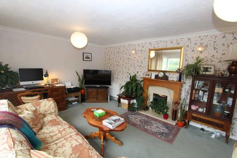 3 bedroom semi-detached house to rent - Charles Drive, Rochester