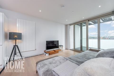 3 bedroom apartment for sale - Liner House, Royal Wharf, Royal Docks, E16