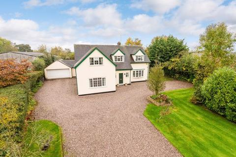 4 bedroom detached house for sale - Holly Trees, London Road, Woore