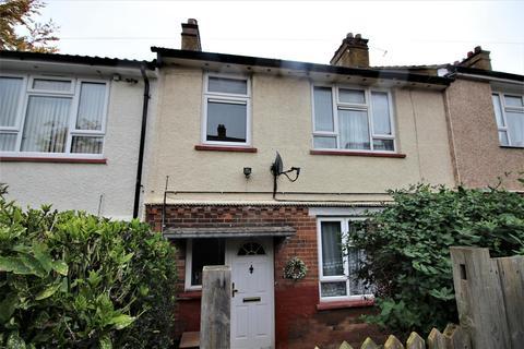 3 bedroom terraced house - Corncastle Road, Luton