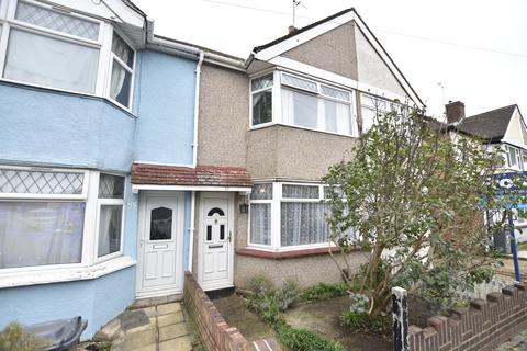 2 bedroom terraced house for sale - Saxon Avenue, Hanworth, Middlesex, TW13