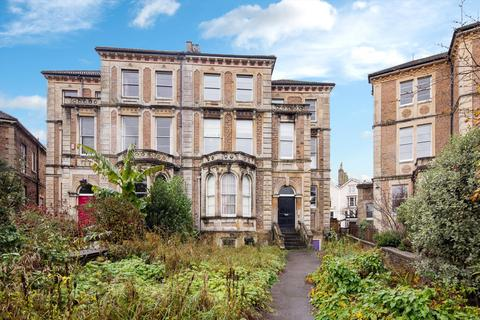 2 bedroom flat for sale - Worcester Crescent, Bristol, BS8