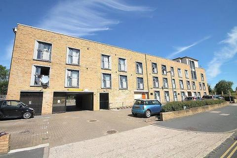 1 bedroom flat - Two Rivers Court, Hatton Road, Bedfont, TW14