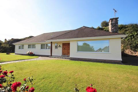 4 bedroom detached bungalow for sale - 7a Llandudno Road, Rhos on Sea LL28