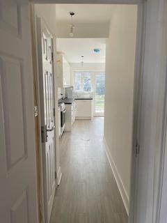 4 bedroom terraced house to rent - Granville Road, Uxbridge, UB10