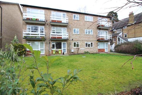 1 bedroom flat - The Avenue, Worcester Park KT4