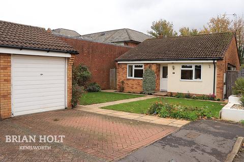 2 bedroom detached bungalow - Clarkes Avenue, Kenilworth