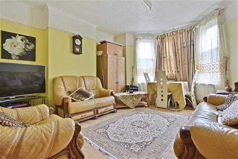 2 bedroom flat - Bromyard Avenue, Acton W3