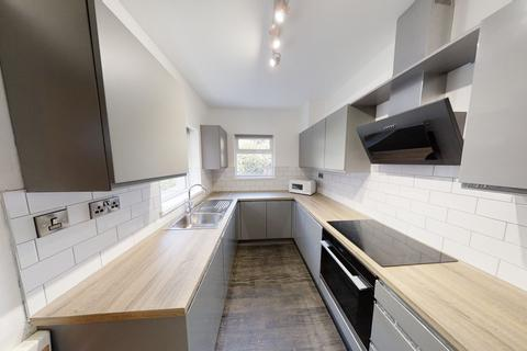 6 bedroom house share to rent - 62 Western Road